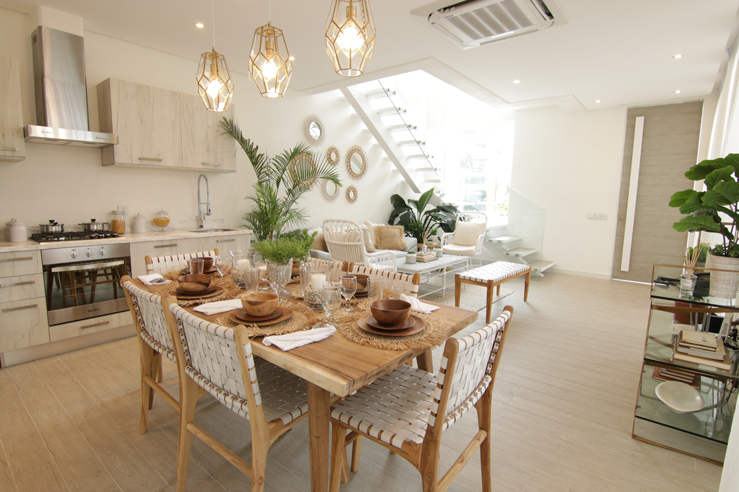 Townhouse-forsale-in-acacia-estate-taguig-city-dining-area