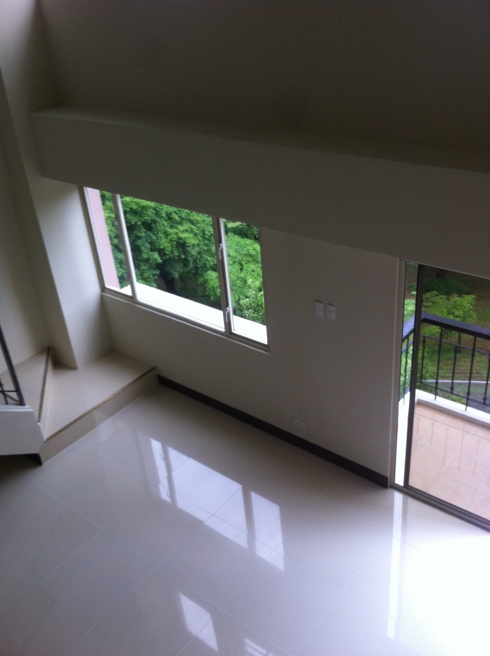Facing Garden Loft Style One Bedroom 1br Condo For Sale In Tuscany Mckinley Hill Fort Bonifacio