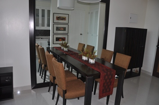 Nicely Furnished One Bedroom 1br Condo For Rent At Joya Lofts And