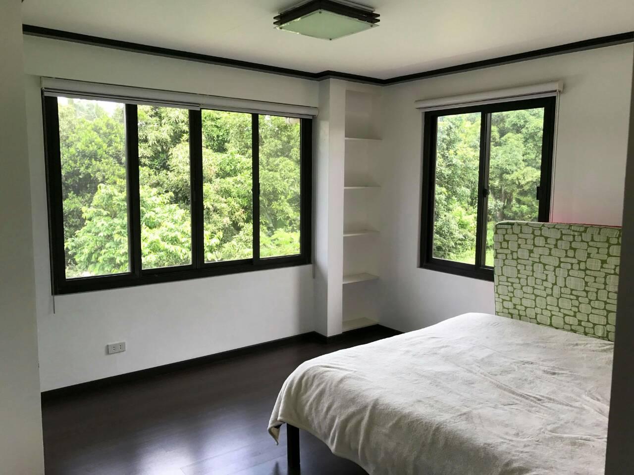 Three Bedroom House & Lot for Sale at Brgy Niyugan Laurel Batangas
