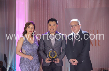 andrew-tan-peoples-choice-award-soliven