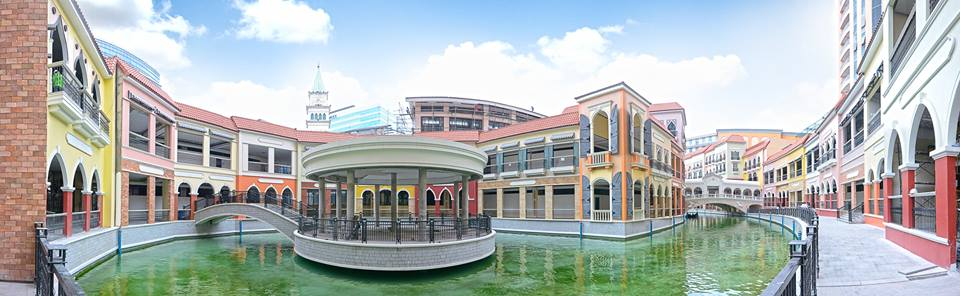 venice-grand-canal-mckinley-hill-condos-for-sale