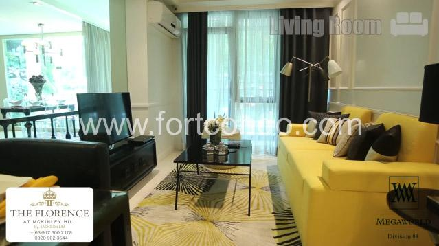 florence-mckinley-hill-condo-1-bedroom-unit-living-room