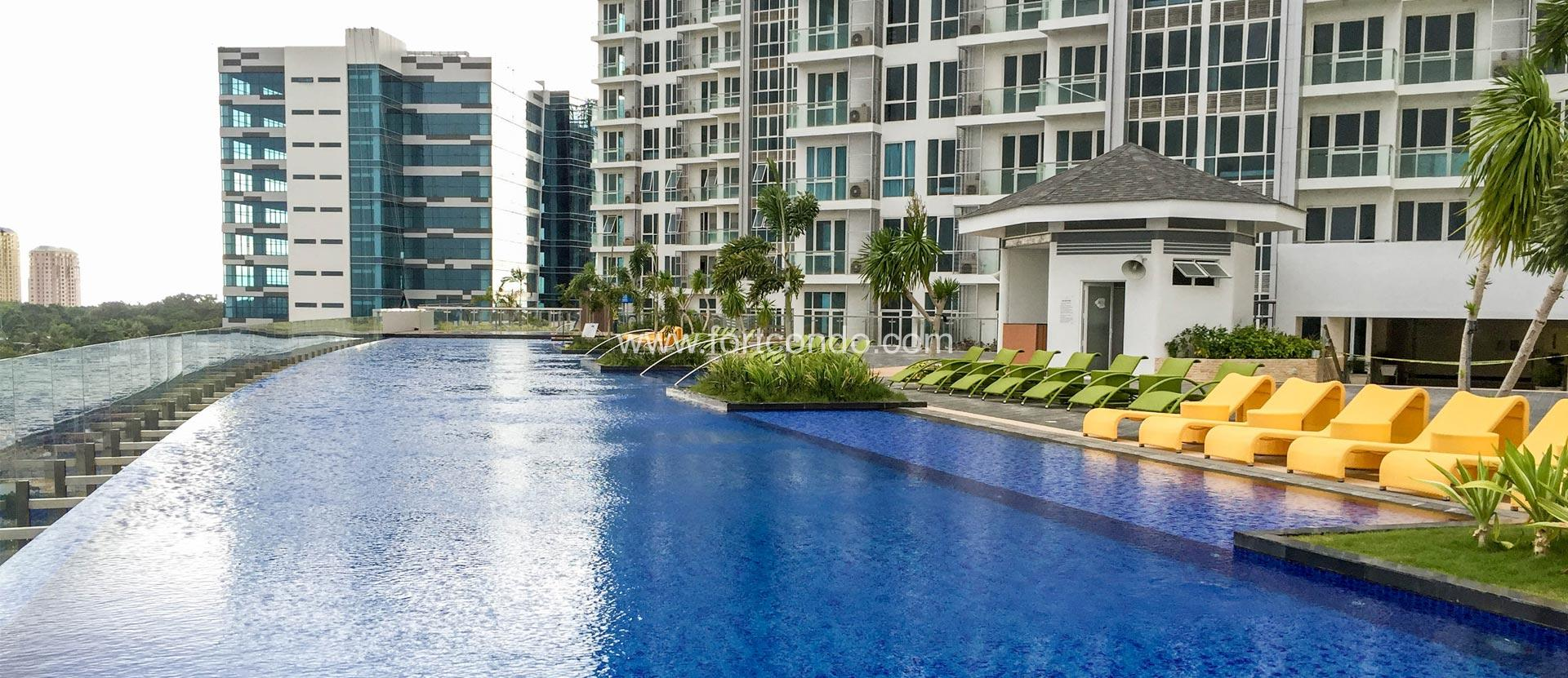 pool amenties 8 newtown boulevard cebu condos for. 8 Newtown Boulevard   Mactan Cebu Beach Condos For Sale