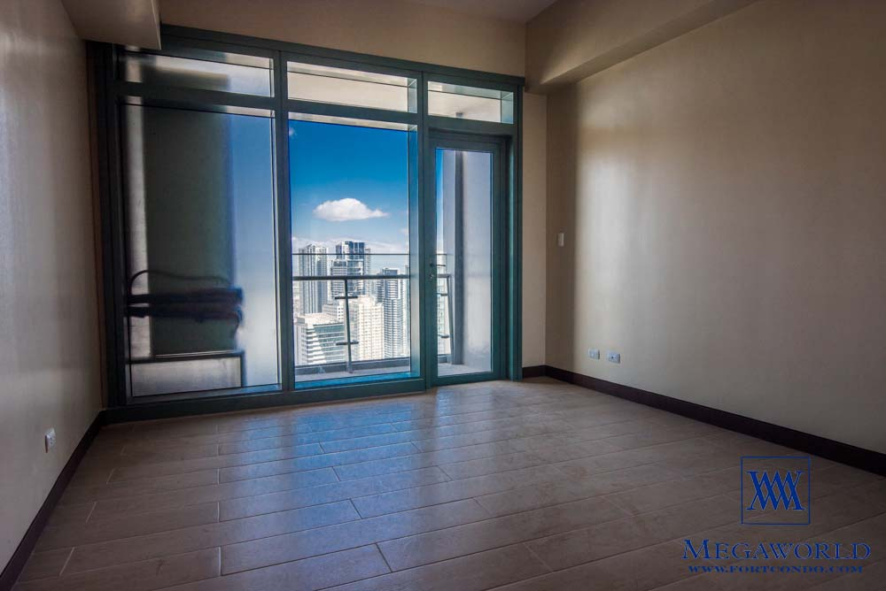 2-bedroom-condos-for-sale-mckinley-hill