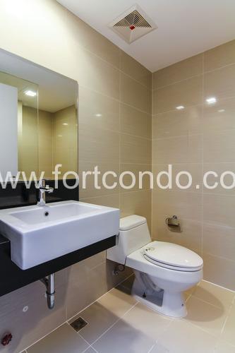 bathroom-vencie-luxury-condos-for-sale